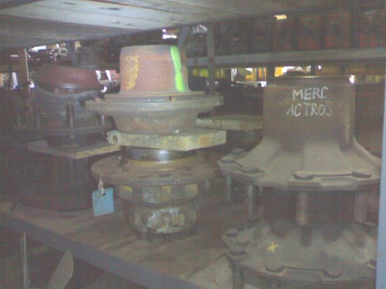 Wheel hubs (various)