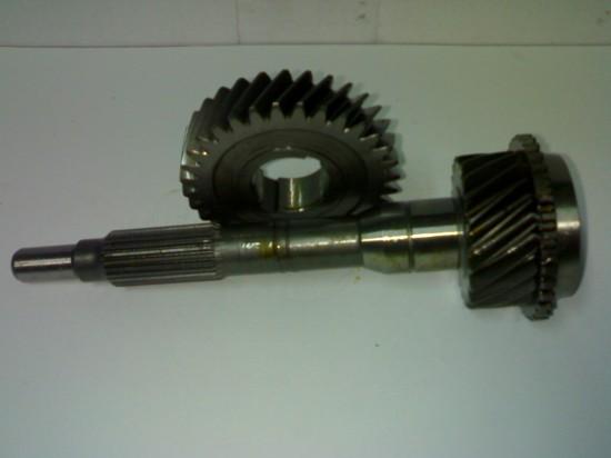 Nissan D21 - Spigot & gear set