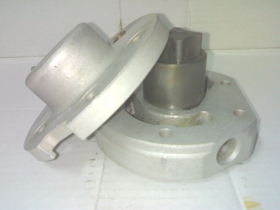 Oil pump (used)